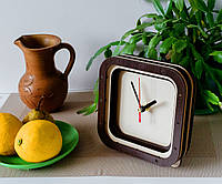 Часы квадратные Часы бежево коричневые Еко часы Черные стрелки часов Часы на ножках Размер часов 15 см