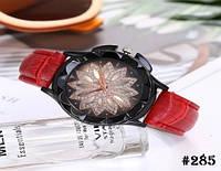 Женские кварцевые наручные часы / годинник с ремешком красного цвета (285)