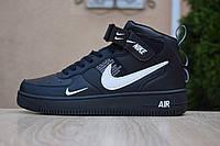 Мужские кроссовки в стиле Nike Air Force 1 Mid LV8 черные высокие (белый знак), фото 1