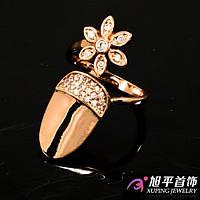 Кольцо на ноготь гладкое с цветком и кристаллами  (безразмерное)