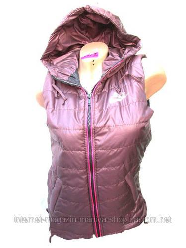 Женская жилетка ветровка с капюшоном