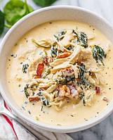 Густой куриный суп со сливочным сыром, шпинатом и беконом