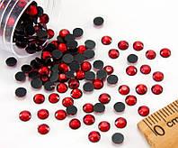 (10грамм ≈ 400шт)  Стразы SS16 стеклянные (3,7-4мм) термоклеевые Цвет - Красный