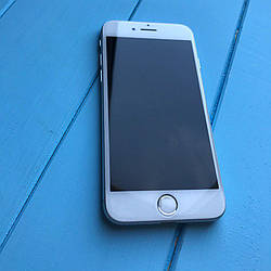 Телефон Apple iPhone 7 32GB Silver