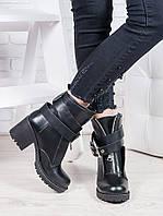 Ботинки женские из натуральной кожи с пряжкой на каблуке