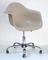 Кресло мастера Leon, бежевое