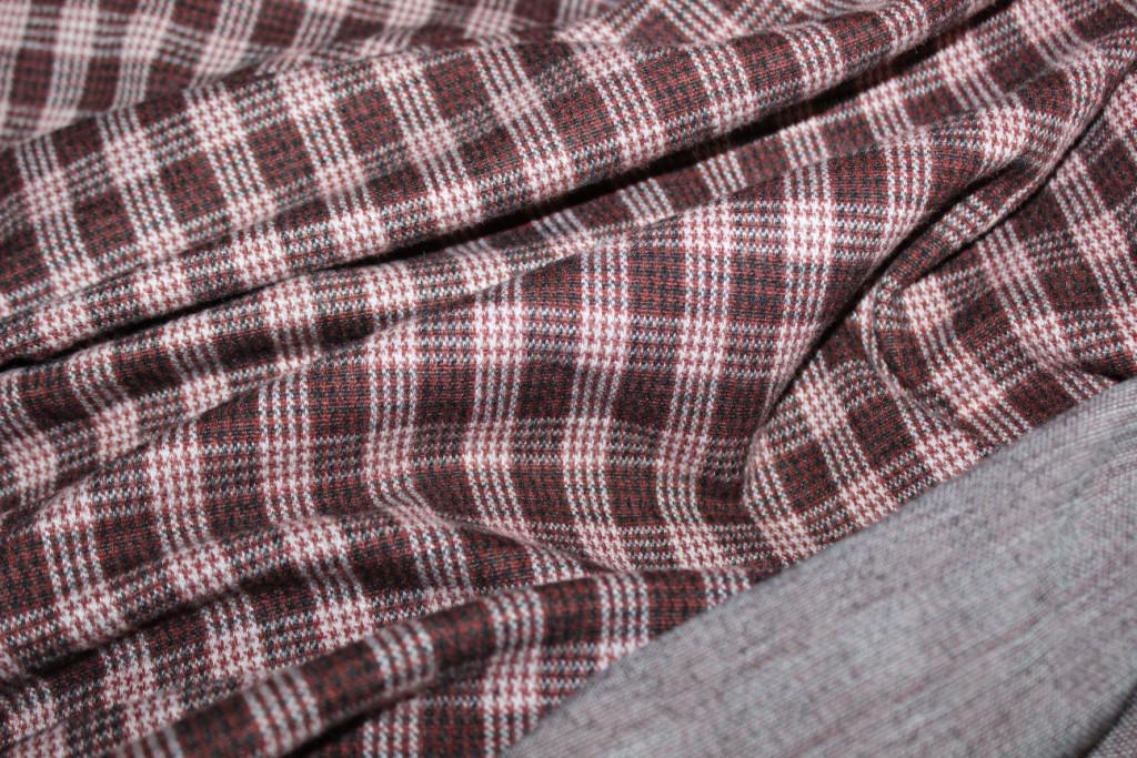 Ткань зимний трикотаж, стрейч, ворсистость на лицевой стороне, клетка цвет коньяк,  пог. м. № 237, фото 1
