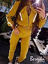 Женский костюм с джоггеры и бомбер на молнии с отражающими полосками 66spt680Q, фото 5