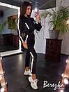 Женский костюм с джоггеры и бомбер на молнии с отражающими полосками 66spt680Q, фото 8