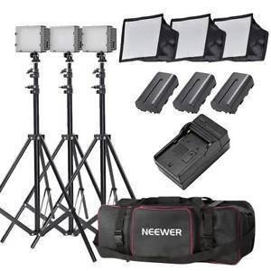Комплект LED света NEEWER (3 x LED светильника со стойками и софтбоксами - сумка для переноски)