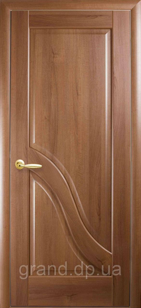 Межкомнатная дверь  Амата ПВХ DeLuxe глухая, цвет золотая ольха