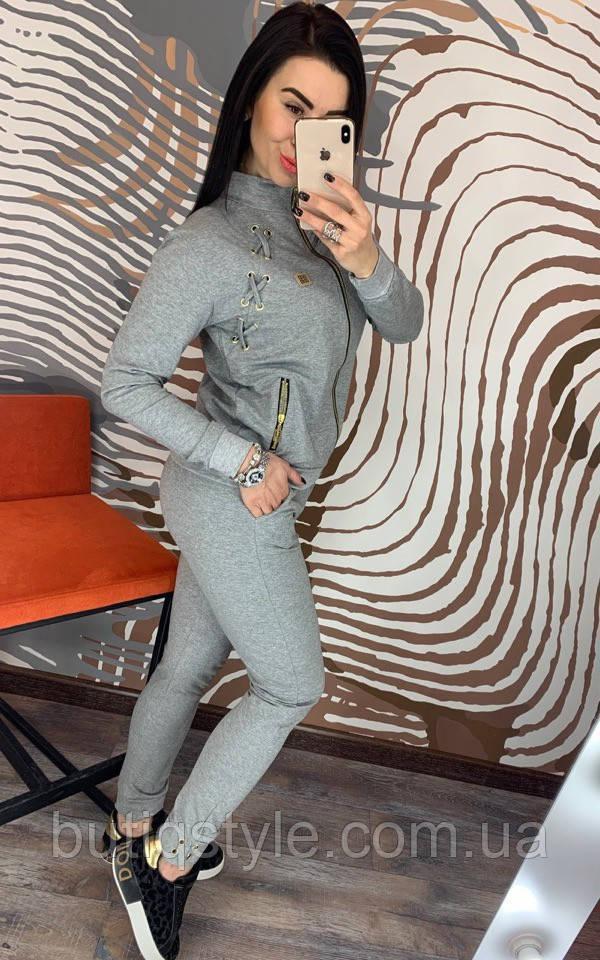 Трикотажный костюм на молнии декорирован шнуровкой серый, синий