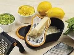 Кухонні приналежності FISKARS