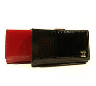 Женский кожаный кошелек Chanel  9011 черный лаковый, расцветки в наличии