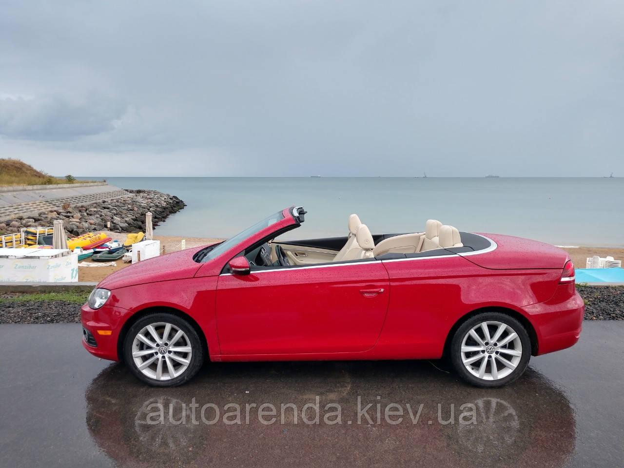 Оренда червоного кабріолета Volkswagen Eos