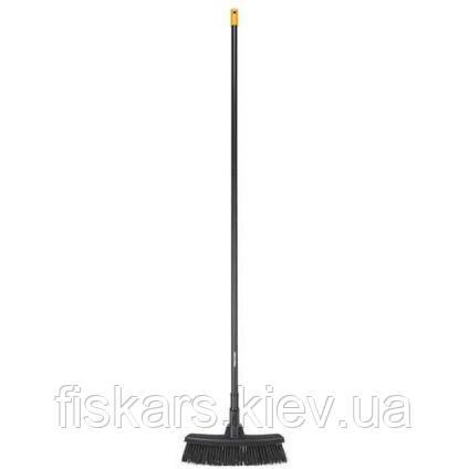 Универсальная щетка Fiskars М 1025921