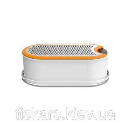 Терка с контейнером Fiskars Functional Form 1019530