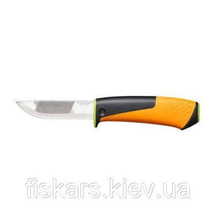 Нож Fiskars для тяжелых работ с точилкой 156018
