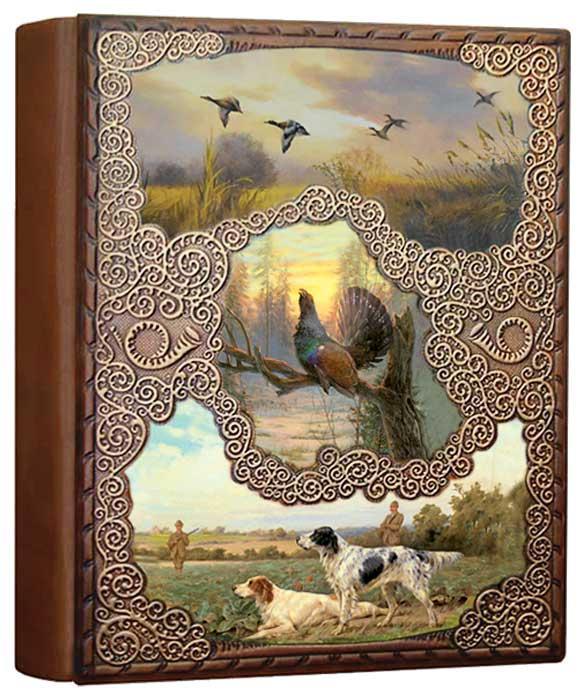 """Фотоальбом в кожаном переплете с художественным тиснением и ручной прорисовкой пейзажей """"Охотничий"""""""