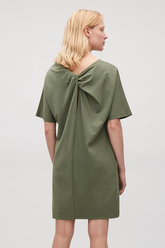Платье  COS ( Eur L // CN 175/104A )