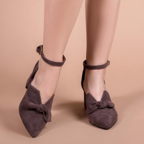 Туфли женские коричневые замшевые на каблуке с ремешком на щиколотке. Каблук 6 см