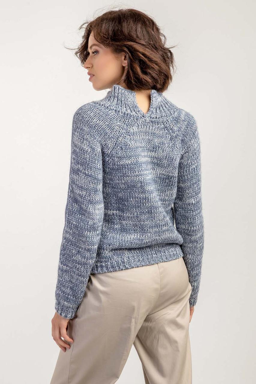 Женский укороченный джемпер свитер с высоким воротником-стойкой