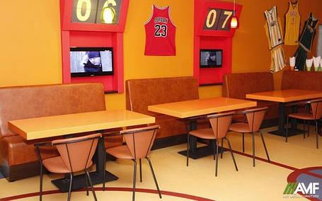 Обідні столики для ресторана кафе