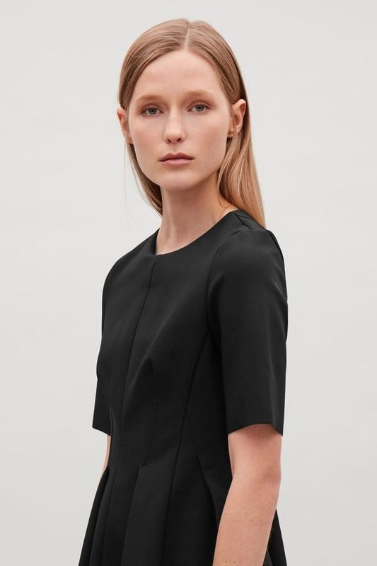 Платье сукня COS ( Eur 42  // CN 170/96A )