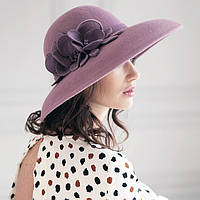 Шляпа с большими  полями из  фетра
