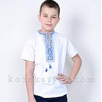 Вишиванка трикотажна для хлопчика біла з блакитною вишивкою, фото 1