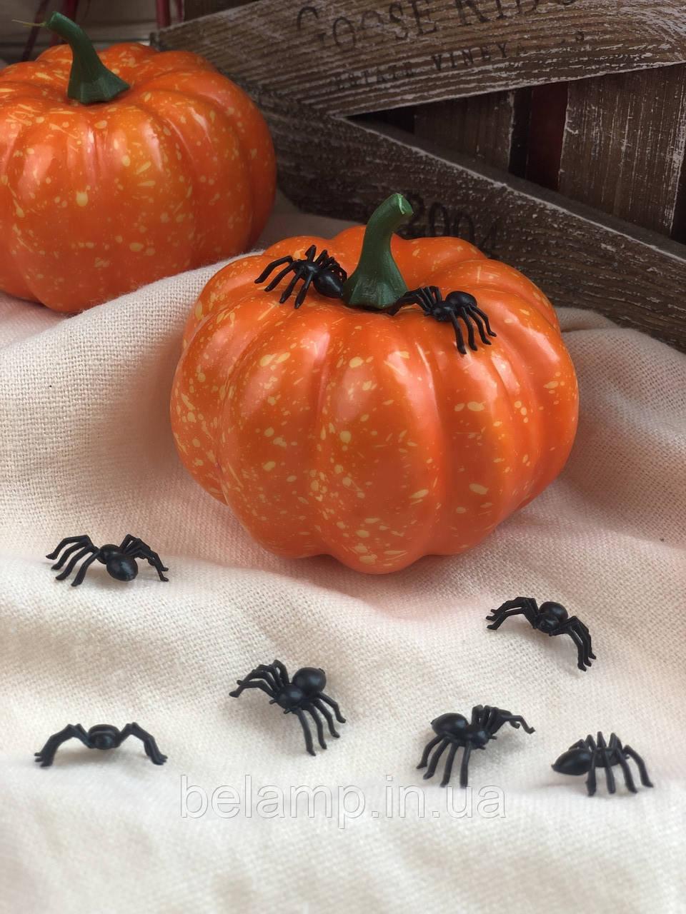 Набор из 20 паучков