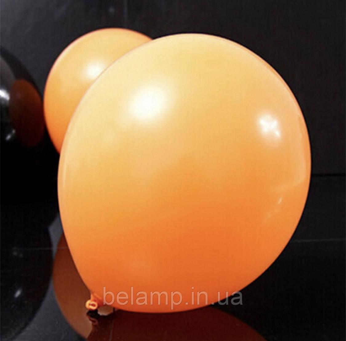 Оранжевый воздушный шарик