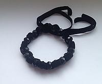Вечерний браслет с черным агатом и бархатной лентой