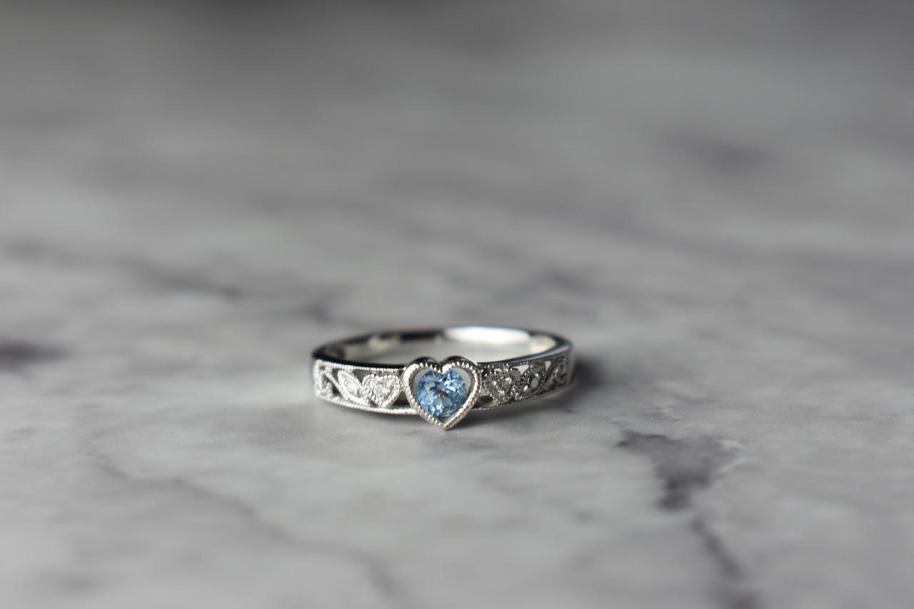 Золотое кольцо с Топазом и Бриллиантами *Голубое Сердце*