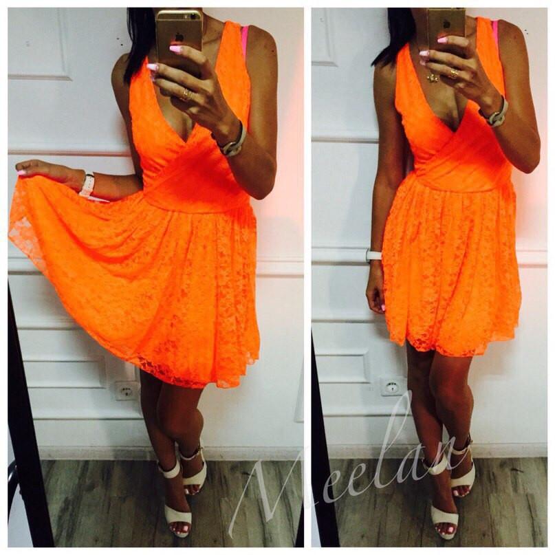 Платье в неоновых расцветках