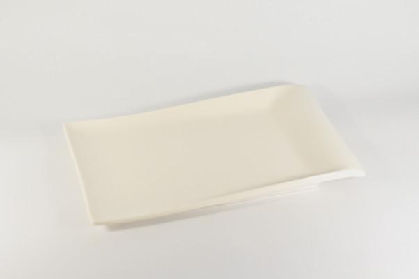 Тарелка прямоугольная с бортом 30х18 из фарфора