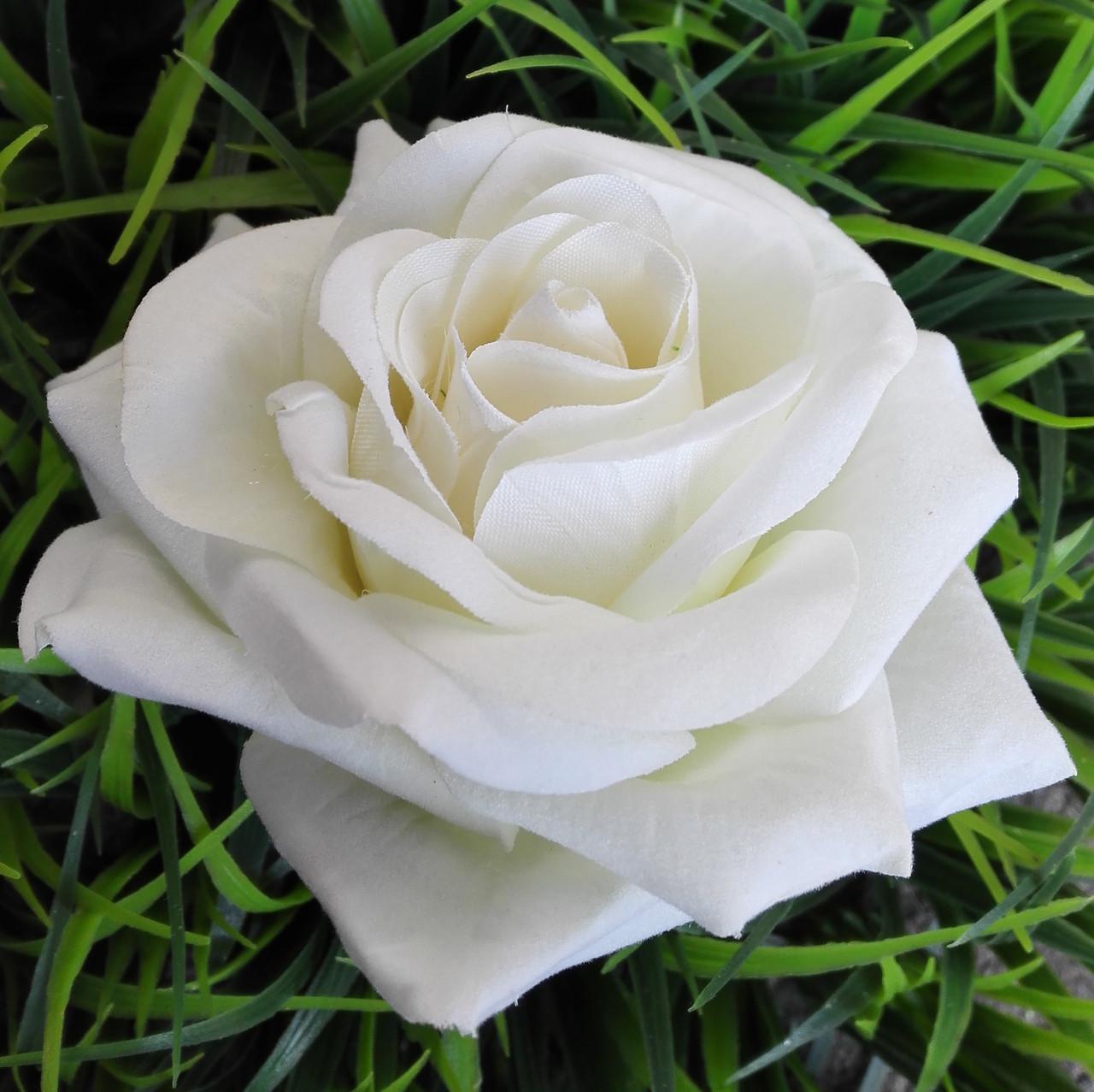 Головка розы раскрытая бархатная белая.10см