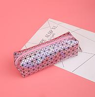 Пенал голограммный розовый,треугольник