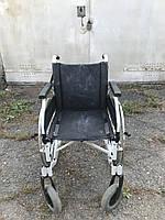 Хорошая и практичная инвалидная коляска B&B  ширина сидения 41,5 см.  б у. в хорошем состоянии