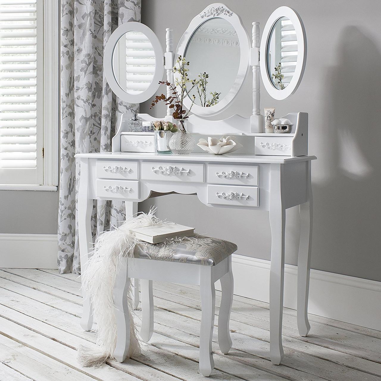 Косметический столик с 3-ма зеркалами и пуфом