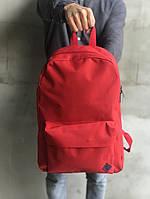 Молодежный рюкзак мужской однотонный практичный в красном цвете