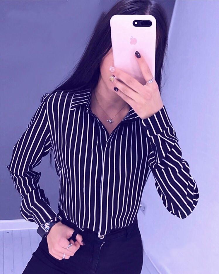 Жіноча легка ділова блузка в смужку з довгим рукавом синя