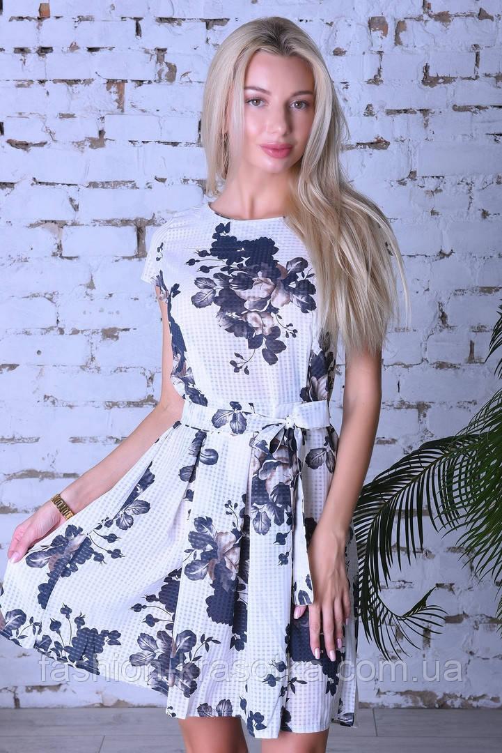 Нарядное летнее платье,ткань полированный штапель,размеры:44,46,48,50.