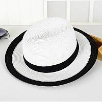 Соломенная белая летняя шляпа с черной окантовкой