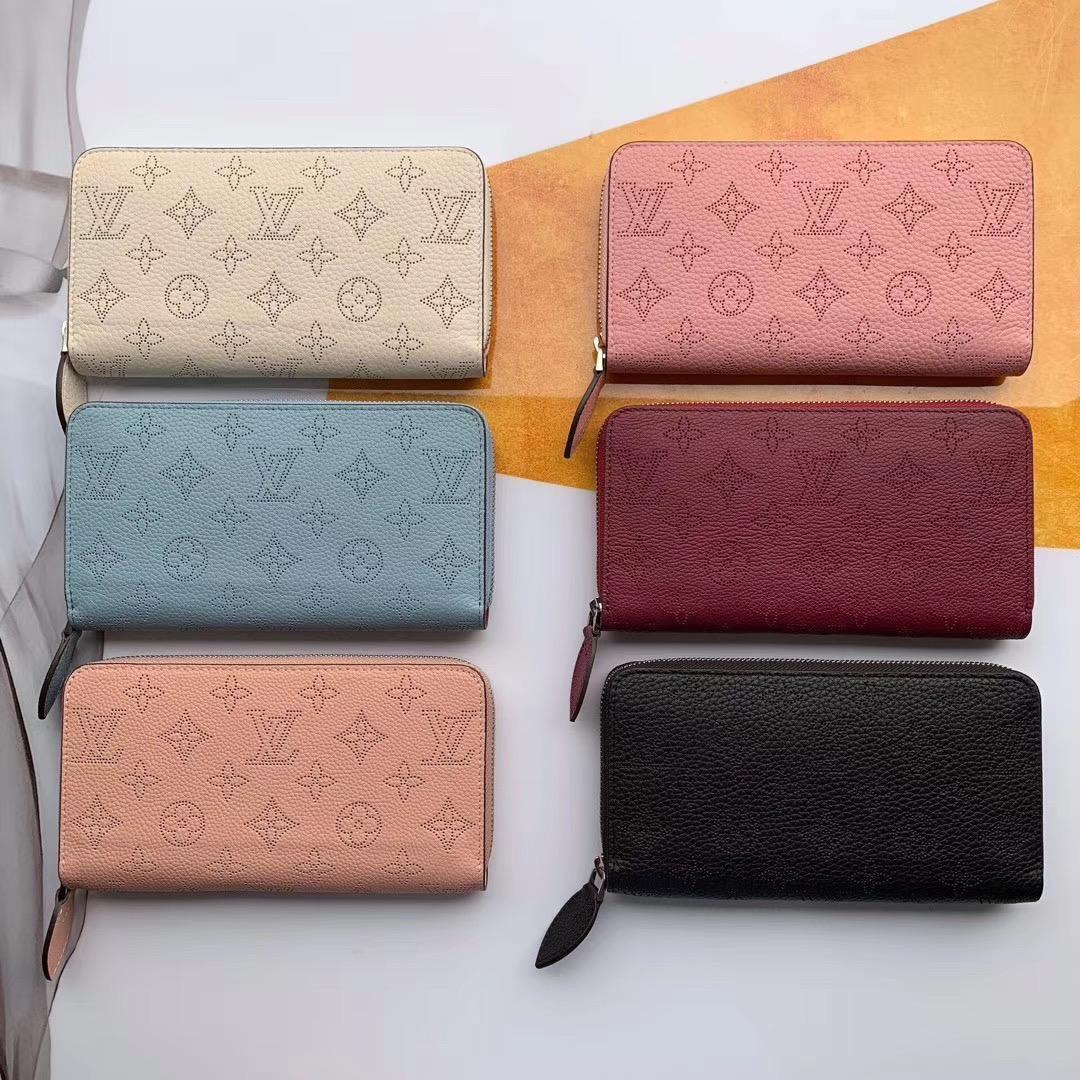 Кошелек женский Louis Vuitton с тиснением