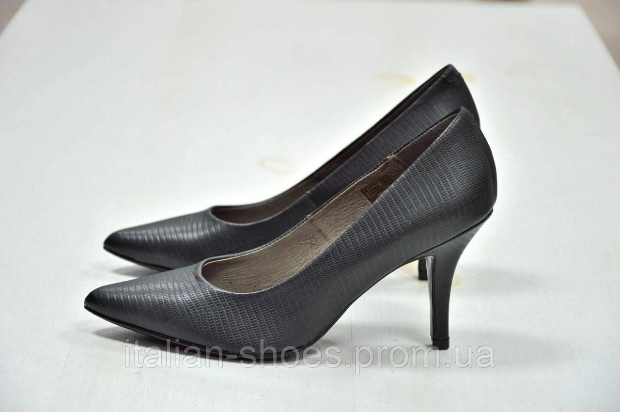 Женские туфли  Carmens