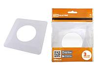 Одноместная защитная рамка для выключателей или розеток для защиты обоев 130х130 мм, белая TDM