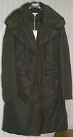 Приталенное женское пальто-пуховик  оливкового цвета Solar