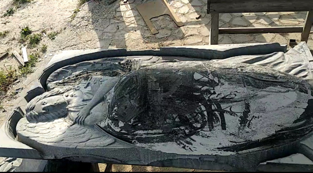 Памятник элитный Ангел скорбящий №741  8