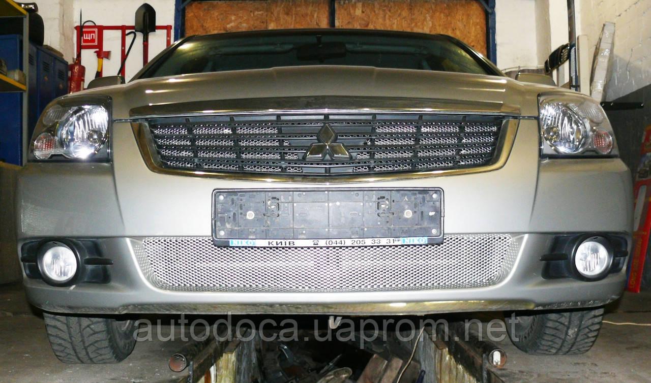 Декоративно-защитная сетка радиатора Mitsubishi Galant 2004-  фальшрадиаторная решетка, бампер